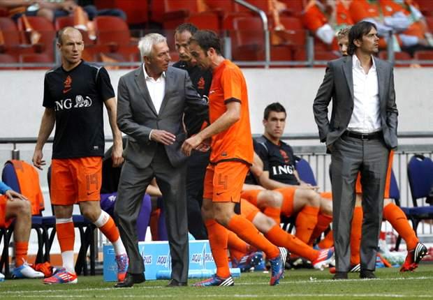 Mathijsen sustains hamstring injury ahead of Euro 2012