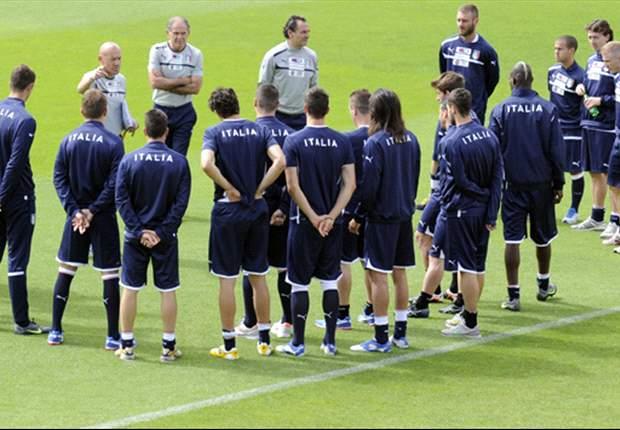 Prandelli annuncia i 23 convocati per Euro 2012: Ranocchia e Destro gli ultimi 'tagli', Bonucci regolarmente in lista