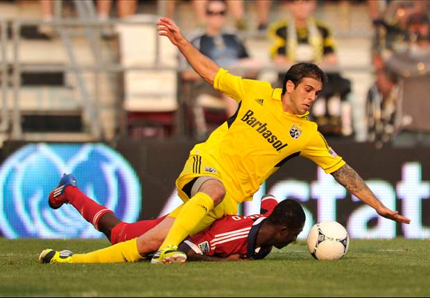 Columbus Crew 2-1 Chicago Fire: Hosts hold onto early lead