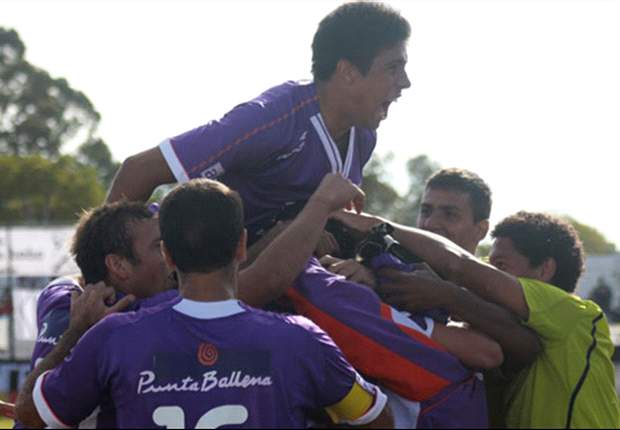 South American Roundup: Defensor Sporting take Clausura title to set up Nacional final