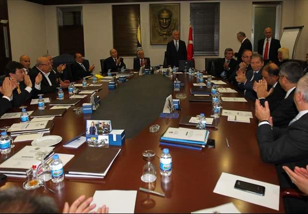 Fenerbahçe yönetimi mazbatasını aldı