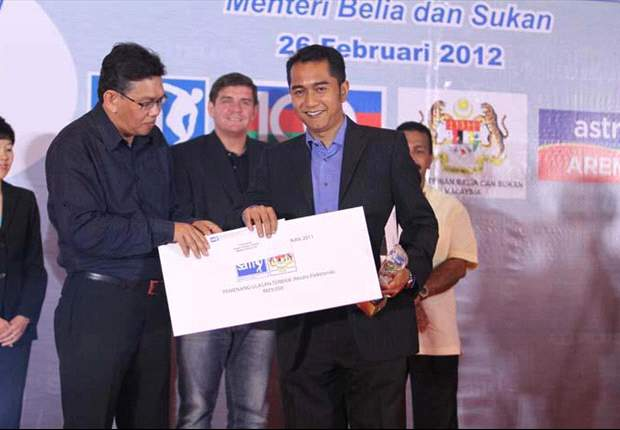 Award-winning sports anchor Fadzrie Hazis gives his take on Malaysian football
