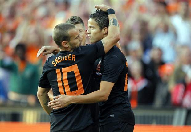 Netherlands 2-0 Slovakia: Van der Vaart helps Oranje emerge from back-to-back defeats with morale-boosting win