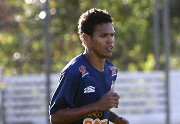 Fabinho pode ser reforço do Cruzeiro contra o Internacional
