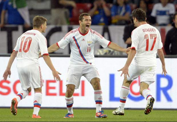 Euro 2012: Back Russia and Poland to progress from Group A
