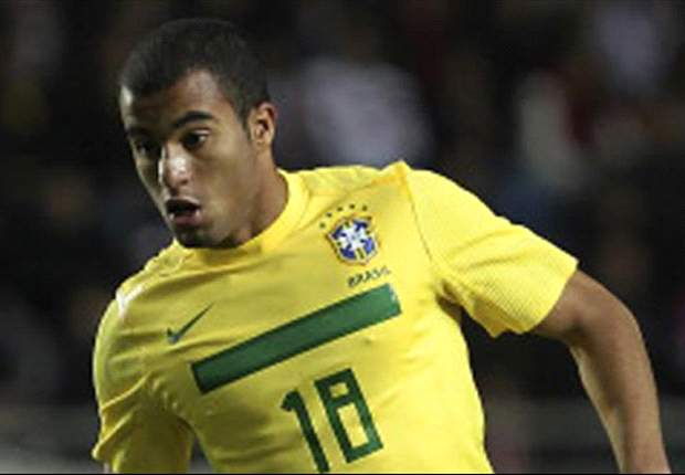 Manchester United target Lucas Moura confirms Paris Saint-Germain talks