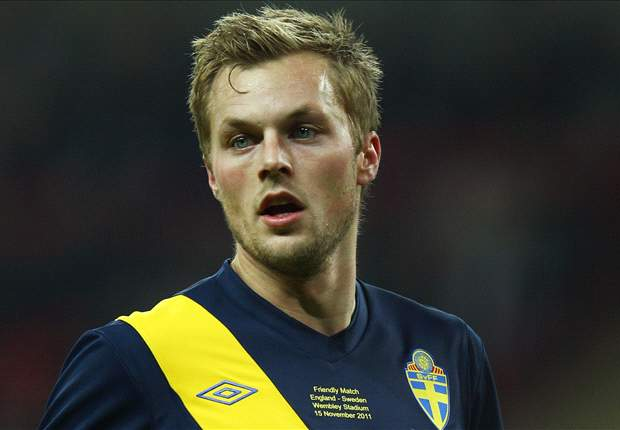 Larsson hoping to open new Sweden home with England victory