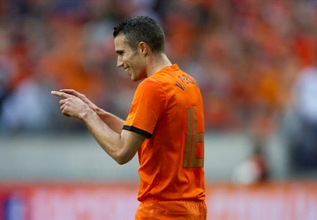 Netherlands - Denmark Preview: Oranje eye winning start in Euro 2012 Group of Death