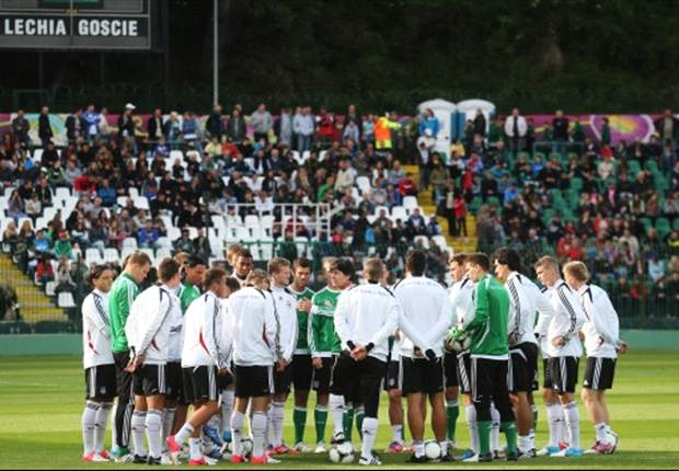 Honigstein: Germany cannot afford to start Euro 2012 slowly after uninspiring preparation