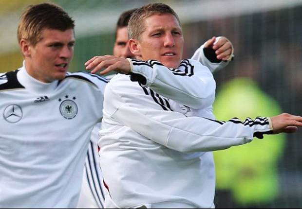TEAM NEWS: Kroos replaces injured Khedira for Germany