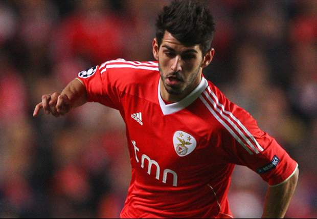Official: Deportivo sign Benfica duo Roderick and Nelson Oliveira on loan