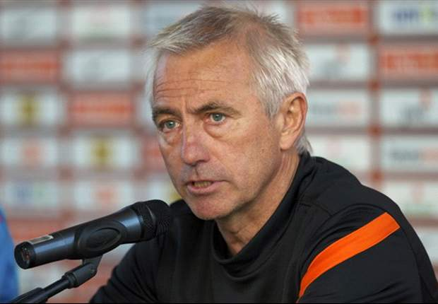 Van Marwijk to make changes for Portugal clash