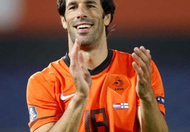 Van Nistelrooy open to coaching career