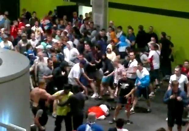Violent clashes mar Euro 2012 opening