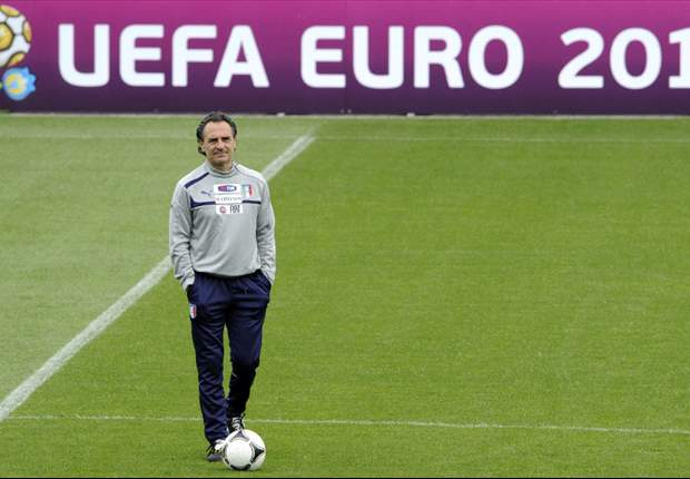 Italy boss Prandelli calls for calm: 'We take things too seriously'