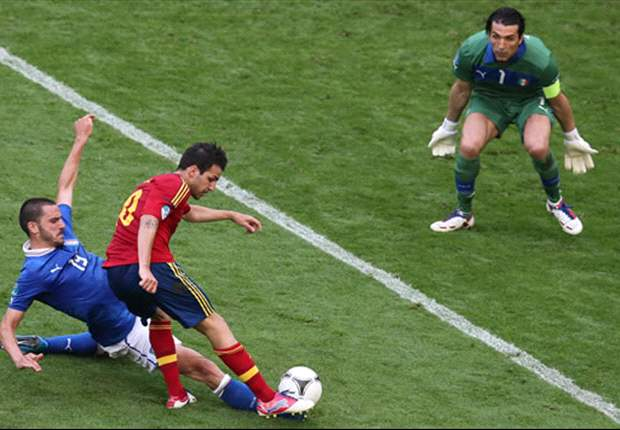Spain 1-1 Italy: Fabregas spares holders' blushes
