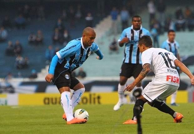 Gabriel deixa o Grêmio e assina com o Internacional