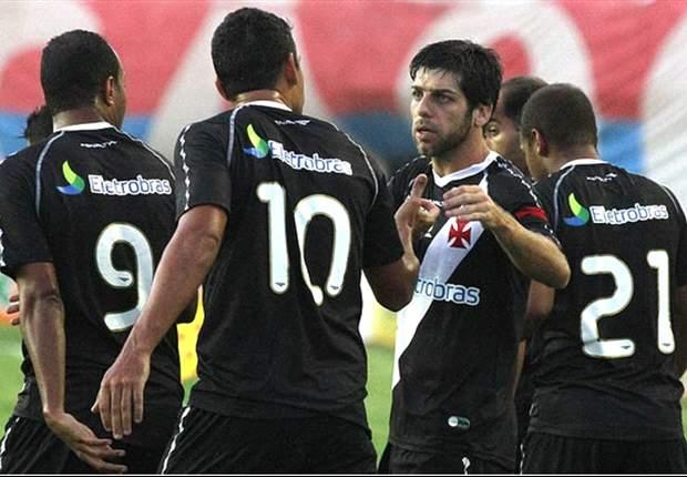 Juninho marca y propina el empate entre el Vasco y el Palmeiras