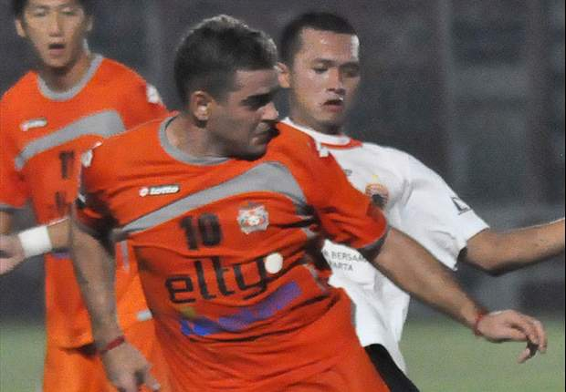 Muang Thong United prepare bid to sign Persisam Samarinda striker Cristian Gonzales on loan