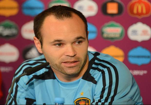 Iniesta wins UEFA best player award