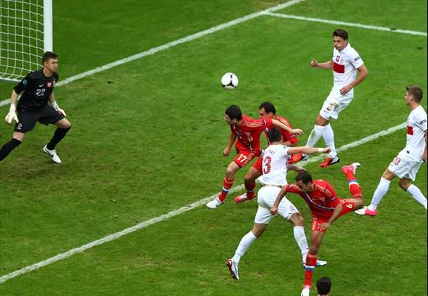Euro 2012 - La Pologne freine la Russie