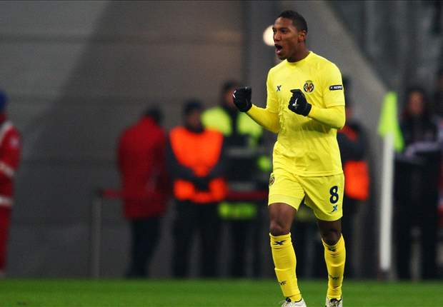 Swansea City sign Villarreal midfielder Jonathan de Guzman on season-long loan deal