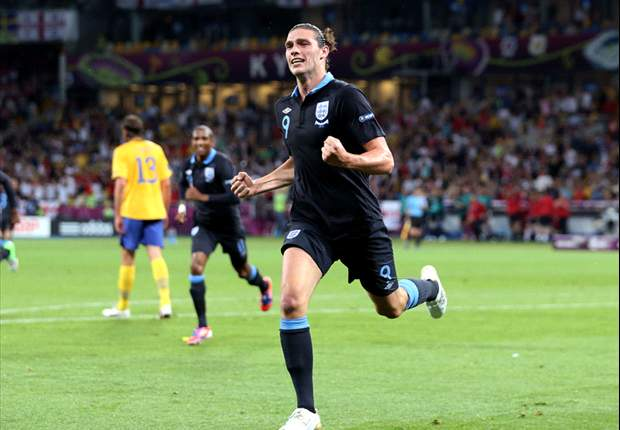 England: Glen Johnson glaubt an Andy Carroll