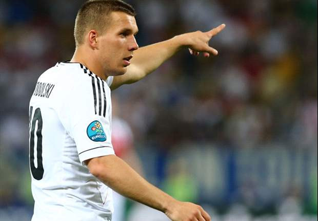 Podolski expects to start for Germany in Euro 2012 semi-final