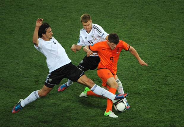 Klaas-Jan Huntelaar: Belanda Bakal Atasi Jerman
