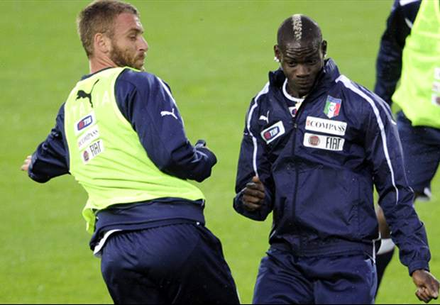 'Balotelli can hurt any team but he must accept the coach's decisions' - De Rossi