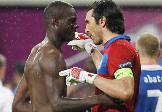 "Buffon: ""Prandelli heeft Balotelli beter gemaakt"""