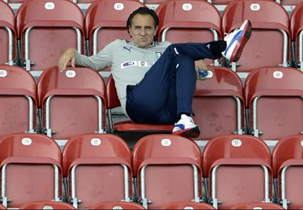 Prandelli: We must approach England game without fear