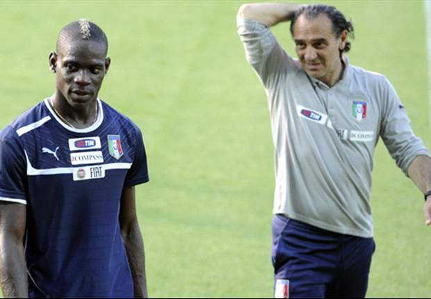 Italy player bonus only to be discussed if they reach semi-finals of Euro 2012