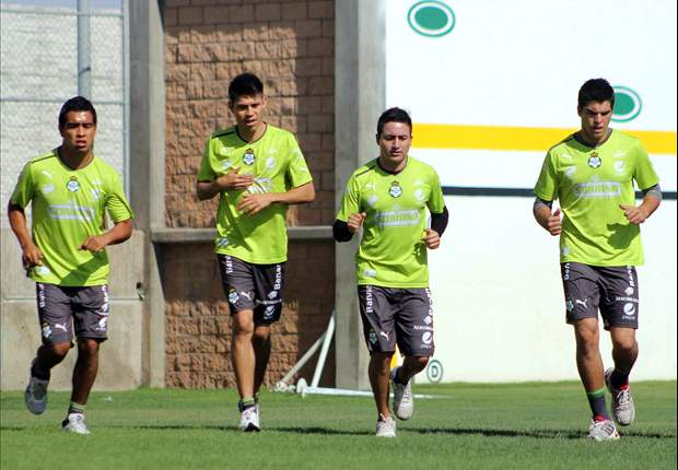 Santos:Léo volta a treinar no gramado do Rei Pelé