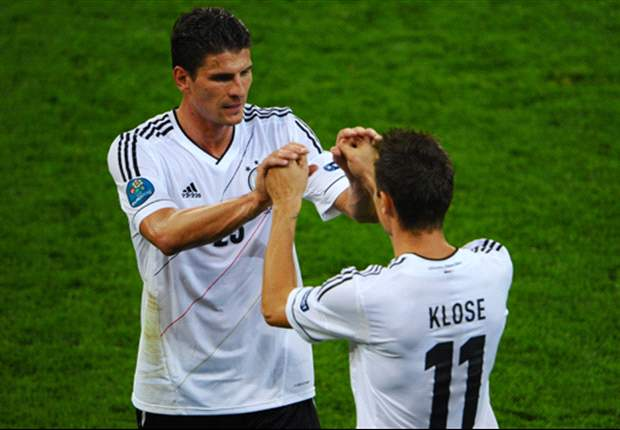 Gomez looking forward to Germany selection battle with Klose