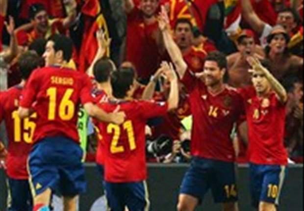 Espanha 2 x 0 França - Experiência faz a diferença e atuais campeões chegam à semifinal da Euro