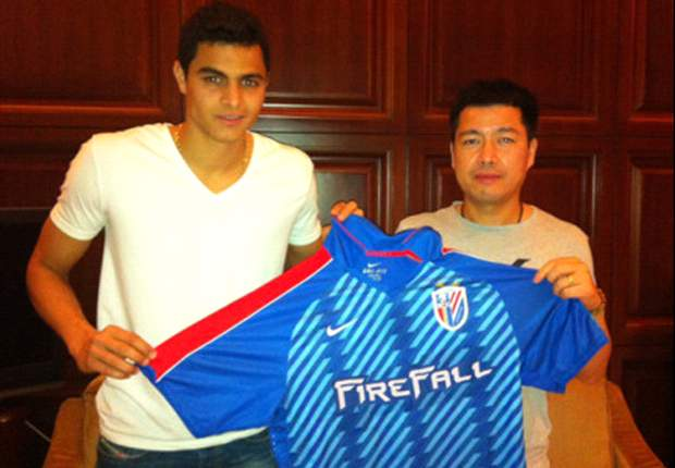 Official: Colombia international Giovanni Moreno joins Shanghai Shenhua