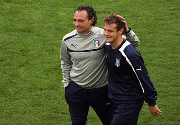 Prandelli prepara l'Italia anti-Germania, due le novità rispetto all'Inghilterra: Diamanti insidia Cassano, Chiellini brucia le tappe e fa 'tremare' Balzaretti