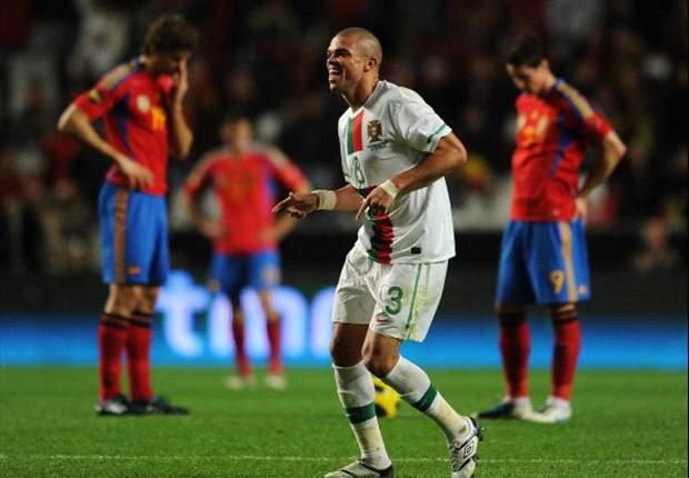Pepe hace una dura entrada a Xabi Alonso y los españoles le gritan 'asesino'