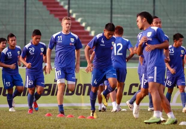 Laga Persib Bandung - Persidafon Dafonsoro Diundur