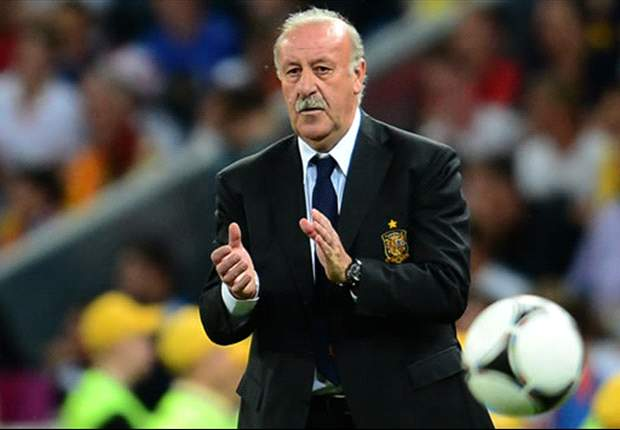 Too much praise for Spain is dangerous, says Del Bosque