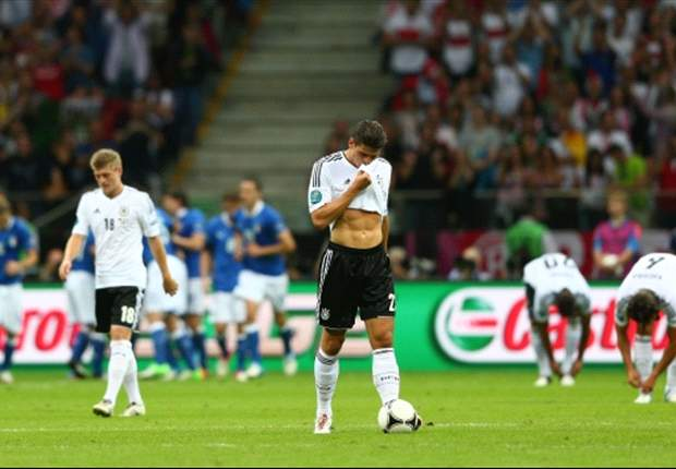 From 41-goal striking sensation to World Cup omission - the sorry decline of Mario Gomez
