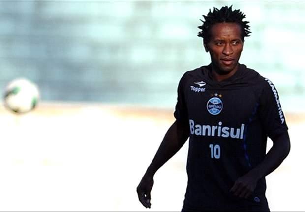 Zé Roberto pondera sobre favoritismo de Grêmio ao título