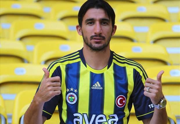 Mehmet Topal Resmi Gabung Fenerbahce
