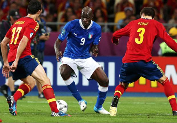 Balotelli in heated argument with Buffon after Euro 2012 final defeat - report