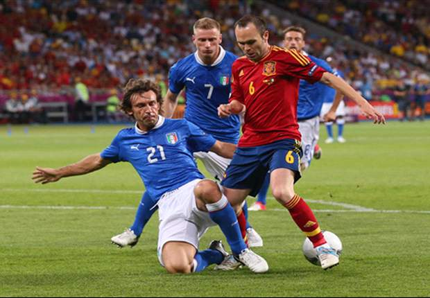 Ronaldo, Iniesta & Pirlo's Team of Euro 2012 v Neymar, Suarez & Cavani's Team of the Olympics