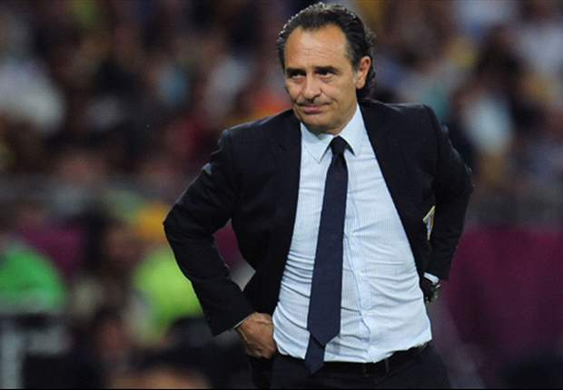 Prandelli vows to continue with 'fascinating' Italy project