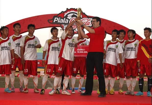 SMA 8 Kediri Juara Piala Coca-Cola 2012