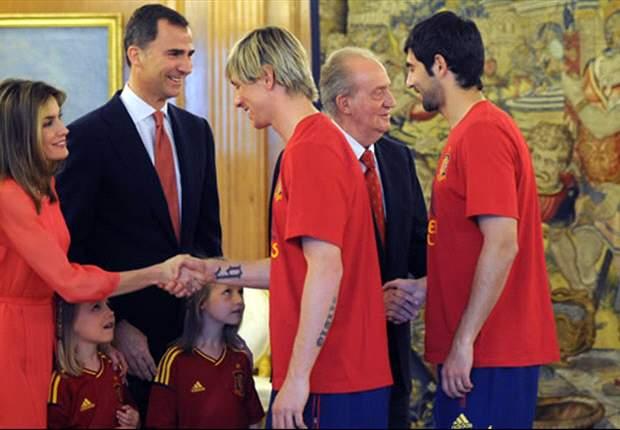 """La Spagna è un paese in festa! Strade di Madrid invase, Juan Carlos si congratula con la Nazionale: """"Siamo orgogliosi di voi"""""""