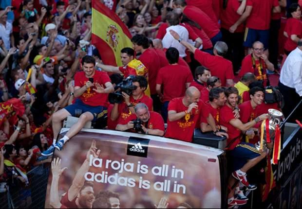 Xabi Alonso, Sergio Ramos y los más sedientos de la celebración de España